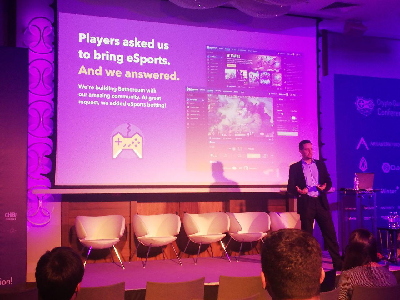 During 2 exhibition days we held several important meetings and agreed about the introduction of game services in the Deex ecosystem