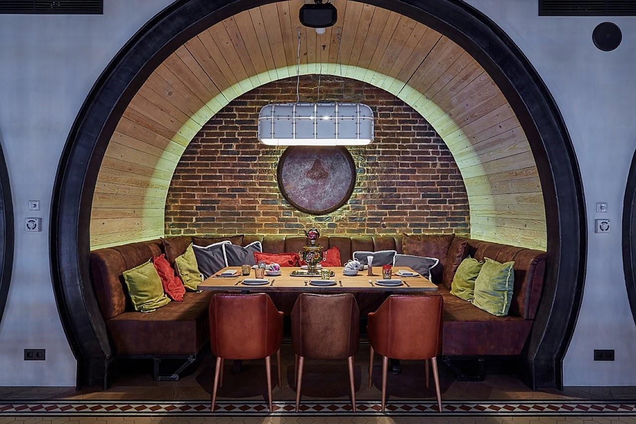 В июне 2017 года первый расчет с помощью Биткоин произошел в ресторане «Валенок»